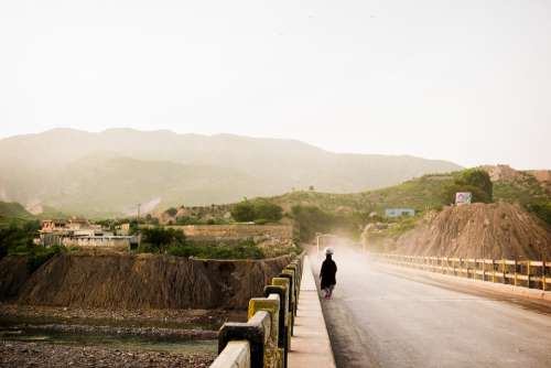 Women Labor Khanpur Pakistan Bridge Mountain Dust
