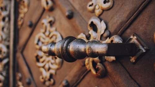 handle decorated door entrance paris