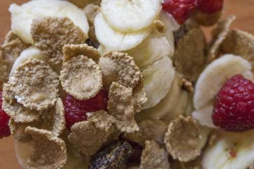 yummy breakfast corn flakes raisin healthy