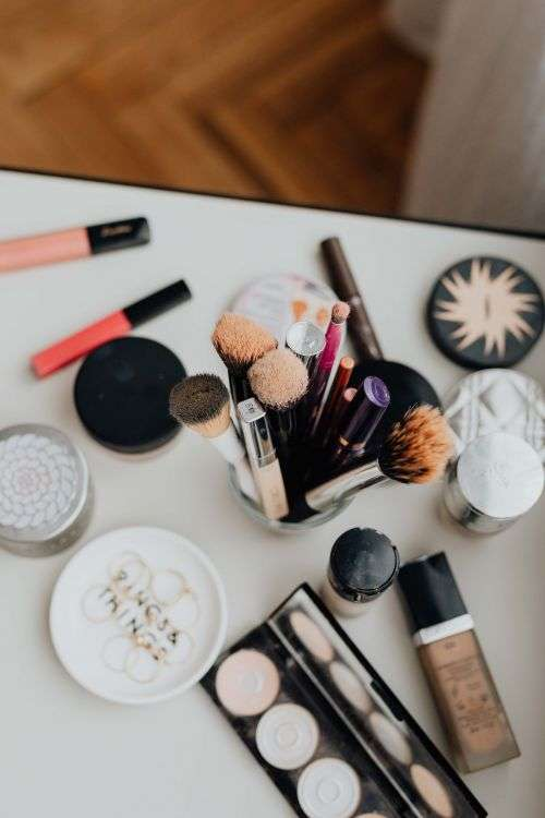 Makeup cosmetics, brushes and other essentials