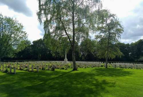 military cemetery commonwealth war graves commision botley oxford