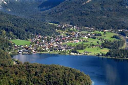 Hallstadt Austria town green valley