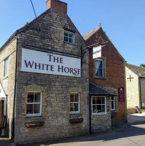 white horse pub public house stonesfield
