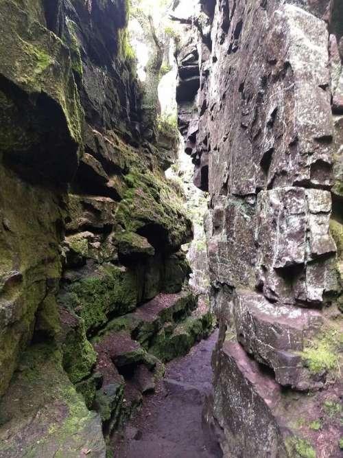 luds castle gorge peak district