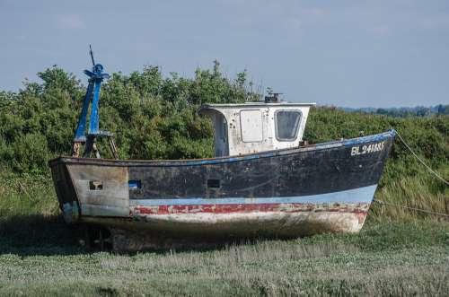 Boat Failed Sea Green Fields Abandoned Wreck