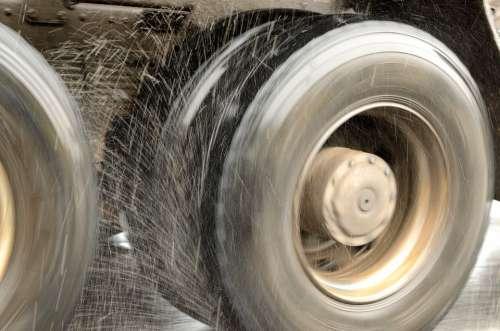 Dirt Wheel Rotation Fly Truck Gray