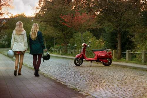 E-Scooter Electric Drive Emission-Free Quiet