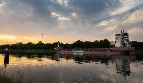 Nok Freighter Ship Frachtschiff North America
