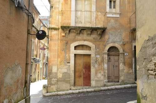 Ragusa Sicily Alley Houses Italy Mediterranean