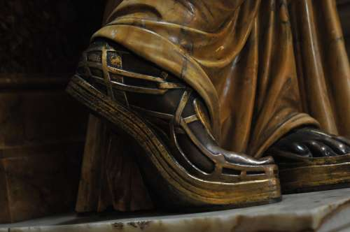 Sandal Sculpture Woman Human Beautiful Art Bronze