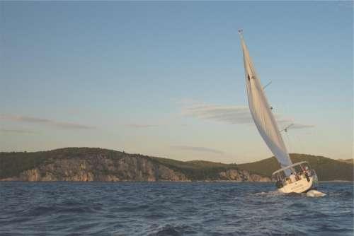 sailing sailboat windy lake water