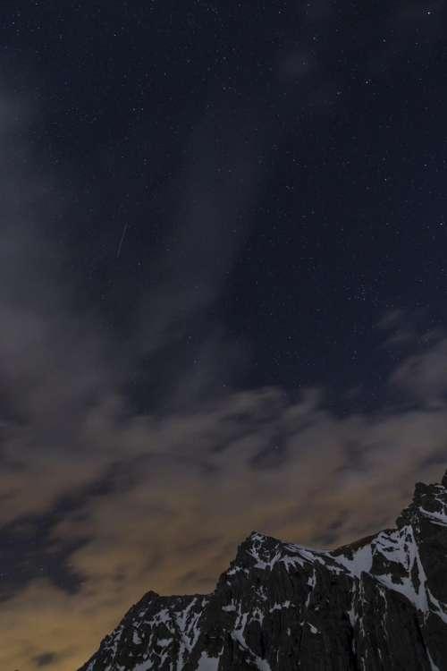 night sky stars hill mountain
