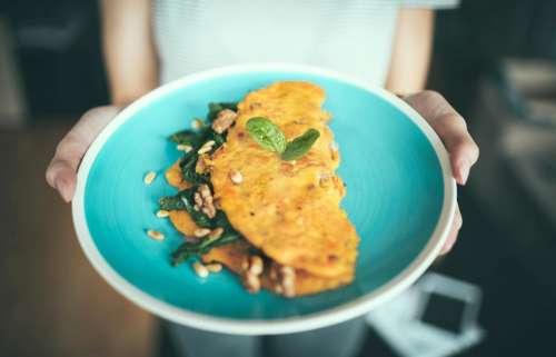 plate egg omelet food breakfast