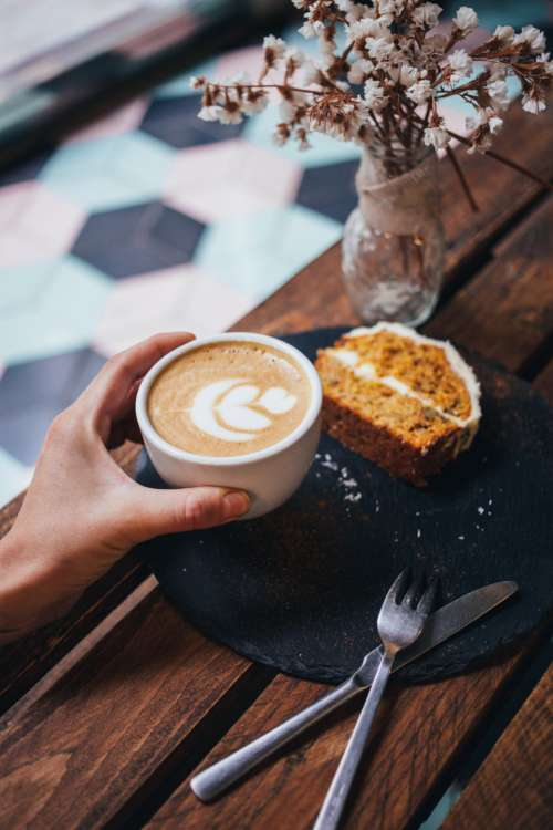 latte cake flowers coffee hand