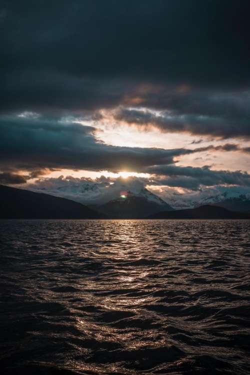sea ocean water horizon dark