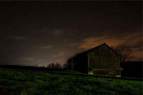dark night sky stars barn