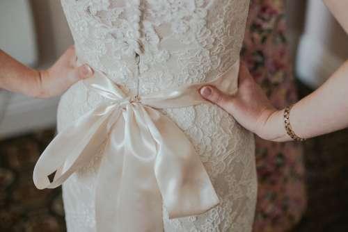 bride wedding wedding dress hands hips