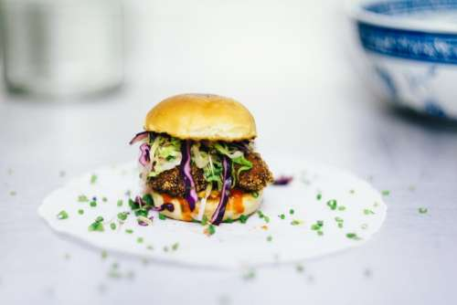food styling plating burger coleslaw