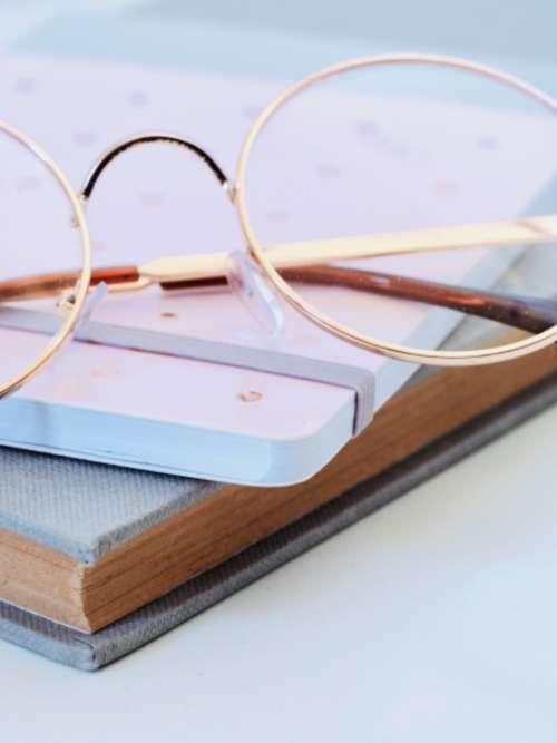 eye glasses pink notepad pen wi=rite