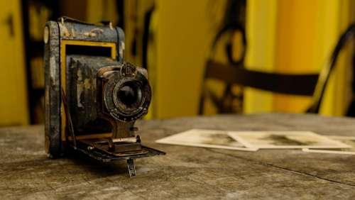 technology camera vintage old decrepit