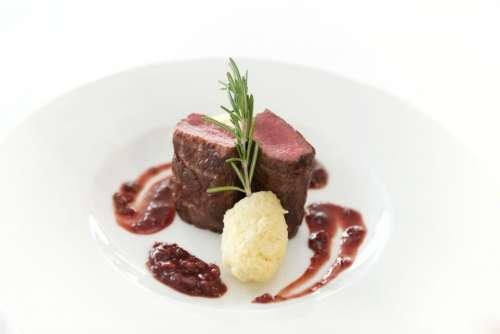 meet beef toppings food rosemary