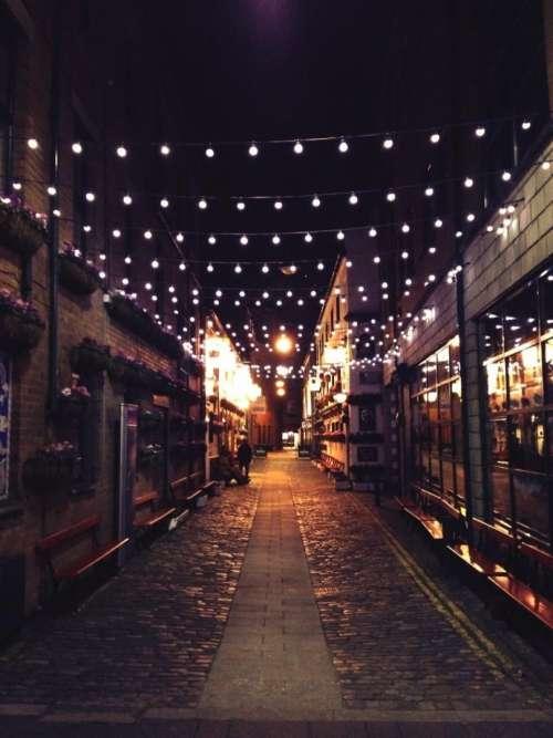 night dark lights bulbs cobblestone
