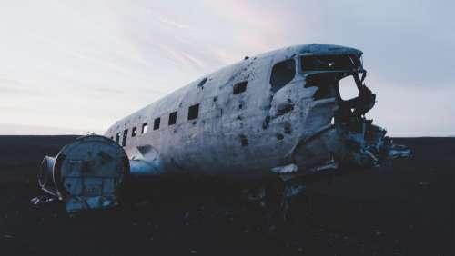 airplane plane old wreck damage