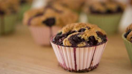 cupcakes muffins bake blueberry berry