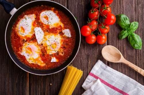 cooking essentials fresh frying pan basil