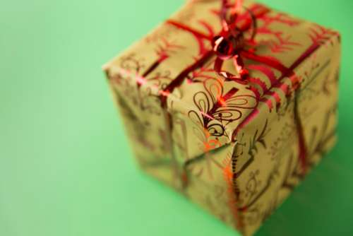 christmas gift green background present