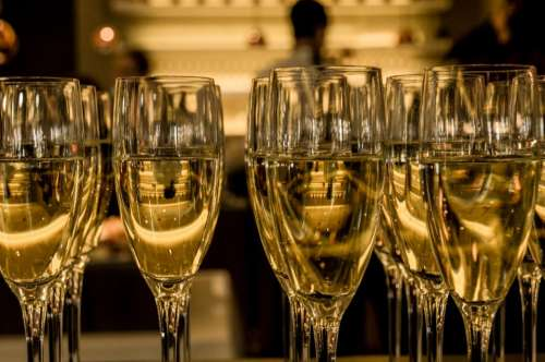 champaign sparkling wine glasses new years nye