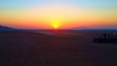 #Sunrise #safari #desert #clearsky