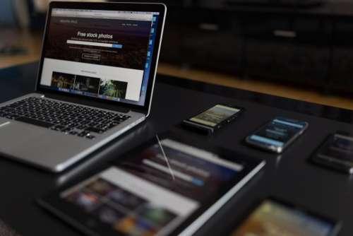 macbook laptop computer tablet iphone