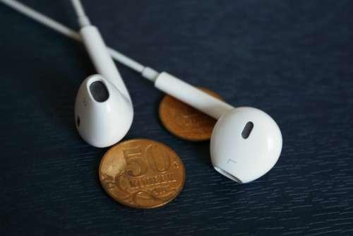 iphone earpods white music listen