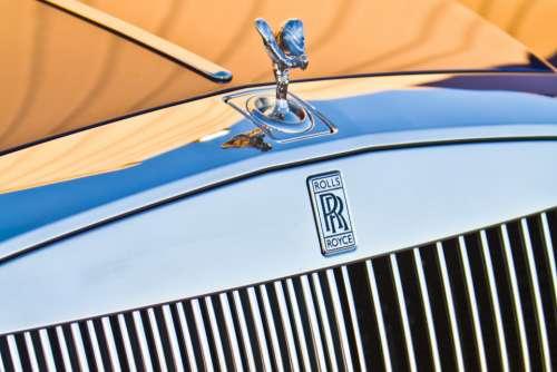 rolls royce car badge close up transport