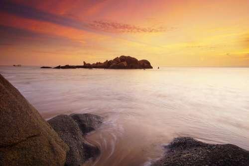 sea ocean splash ripples rock