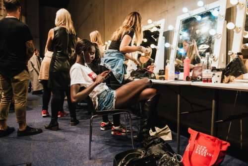 people women girls dressing room