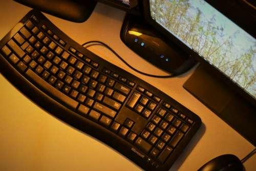 computer keyboard study business school