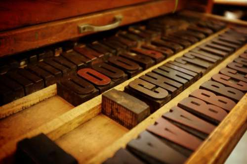 letters art design woods table