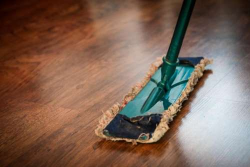 mop sweeping cleaning hardwood floors