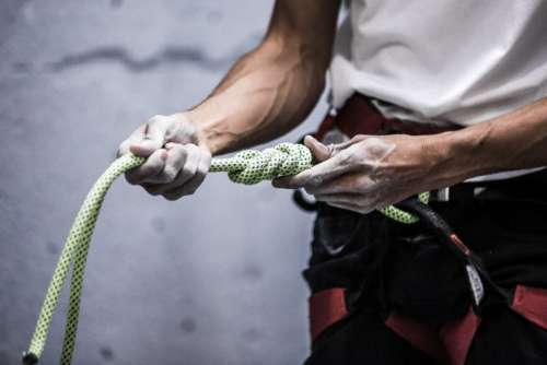 climbing rope hands person holding