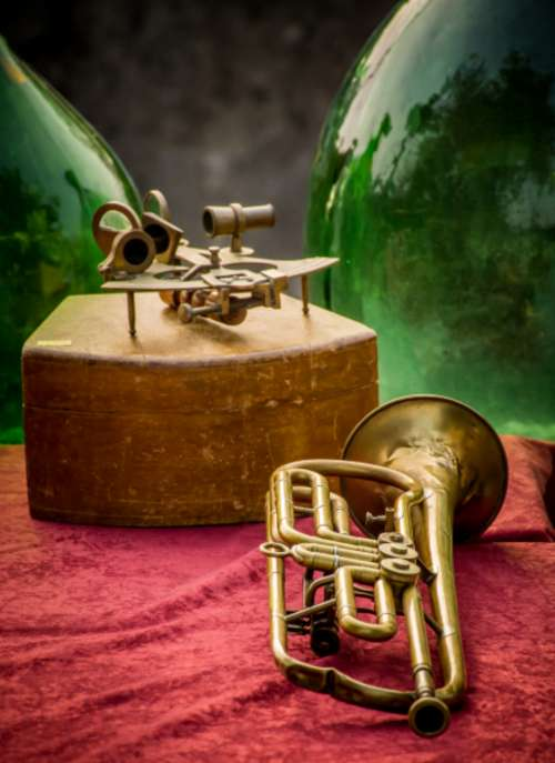 brass old trumpet blues background