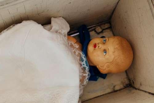doll baby face box wood