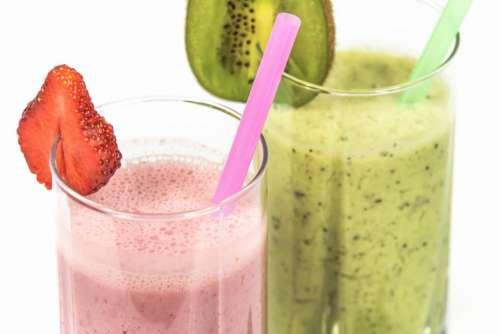 kiwi strawberry smoothies cold drinks