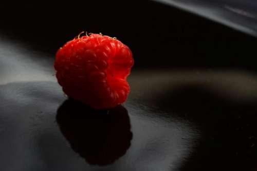 red raspberry raspberries fruits food