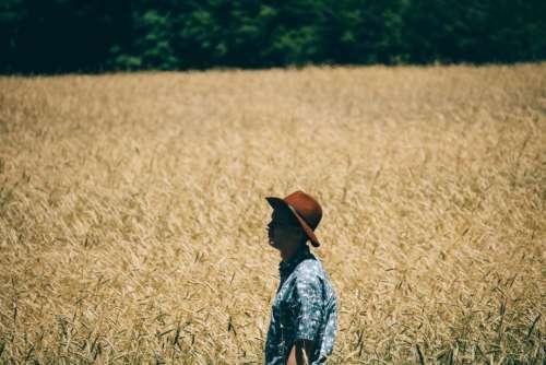 field man alone solo fashion