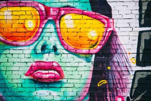 mural spray paint bricks wall girl