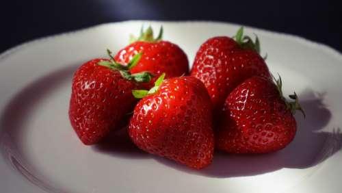 strawberry food fruit berries eating healthy
