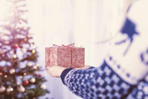 present gift bow box christmas