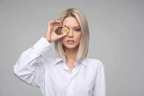 bitcoin finance cryptocurrency blond businesswoman